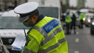 Imnul naţional difuzat din maşinile de poliţie