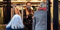 Anglia: Femeile între 20 și 40 de ani, cel mai grav afectate de valul doi de COVID-19