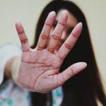 Român acuzat că a violat o fată și i-a băgat degetele de la picioare în gură. Neagă acuzațiile