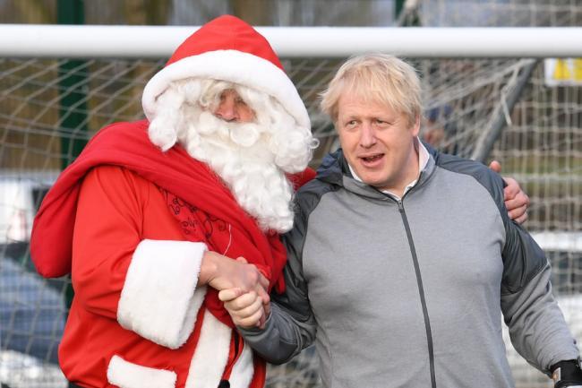 Cazurile și decesele de COVID sunt în scădere, în Marea Britanie. Boris Johnson dă speranțe pentru Crăciun
