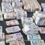 A încercat să iasă din România cu aproape jumătate de milion de lire sterline. Unde ascunsese banii