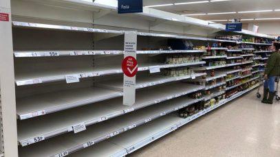 Tesco avertizează că rafturile magazinelor vor fi goale înainte de Crăciun