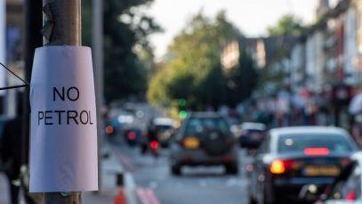Criza carburantului continuă. Benzinăriile din Londra rămân fără combustibil
