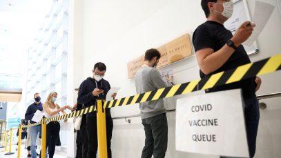 Marea Britanie a prevenit 24 de milioane de infectări și 128.000 de decese prin vaccinare