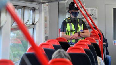 Prins în timp ce se masturba în fața copiilor într-un tren spre Londra