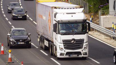 """Șofer de camion român în UK: """"Salariile de 50 mii de lire nu există! E o mare vrăjeală"""""""