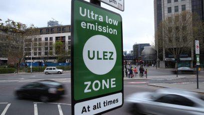 ATENȚIE! De luni va trebui să plătiți pentru a circula cu mașini poluante în Londra
